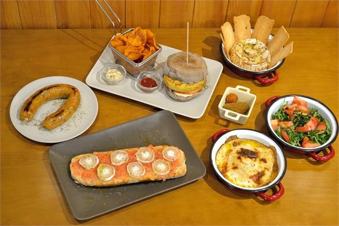 As várias opções para os vegetarianos ( Alheira, bruscheta, lasanha, croquetes de espinafres, hamburguer vegetariano, queijo cam...)